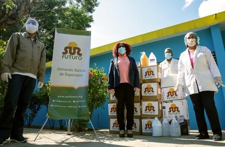 Sur Futuro entrega equipos e insumos médicos en zona crítica de San Juan y en Azua