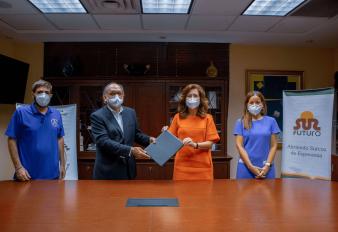 Fundación Sur Futuro y Fundación La Merced trabajarán en favor de la juventud de Las Caobas, Herrera y El Batey Bienvenido, Santo Domingo Oeste.